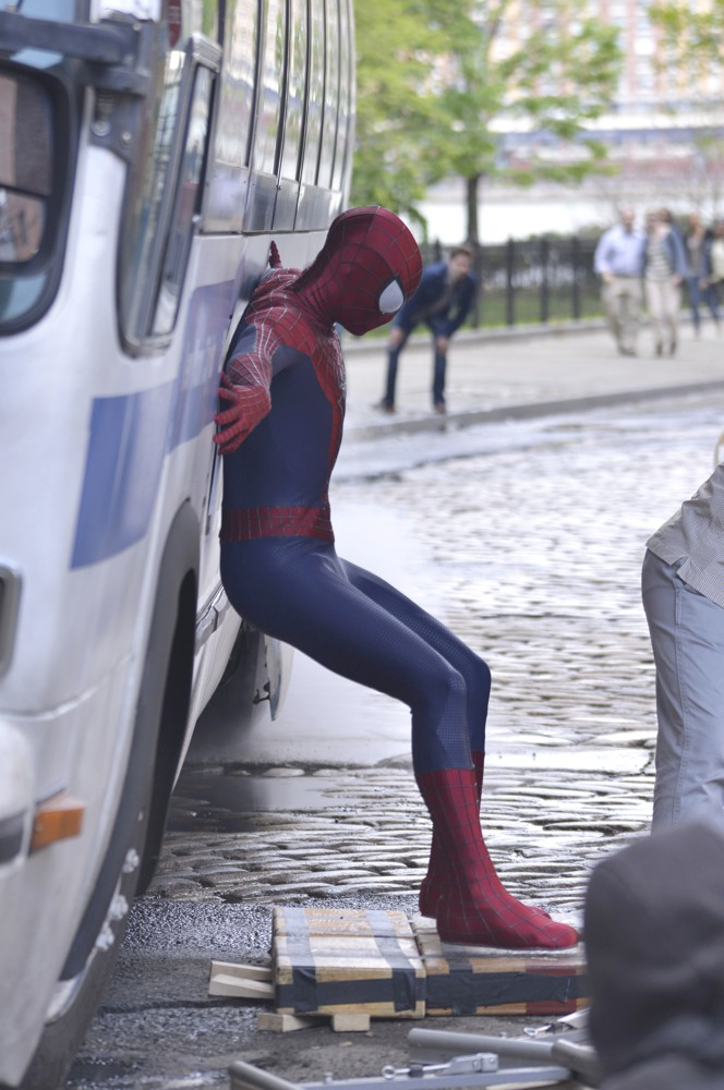 Andrew Garfield Gets into Character as He Films Scenes for The Amazing Spiderman 2
