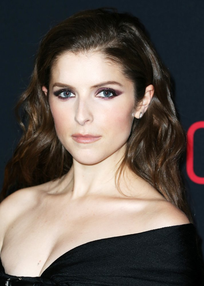 Anna Kendrick Picture 205 Premiere Of Warner Bros