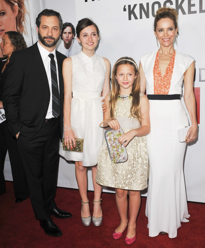 Judd Apatow, Iris Apatow, Maude Apatow, Leslie Mann<br>This Is 40 - Los Angeles Premiere - Arrivals