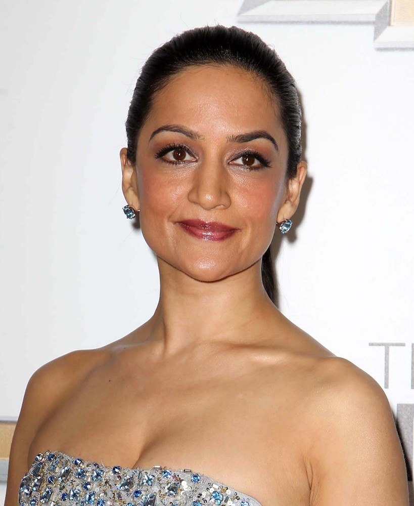 Archie Panjabi - archie-panjabi-44th-naacp-image-awards-02