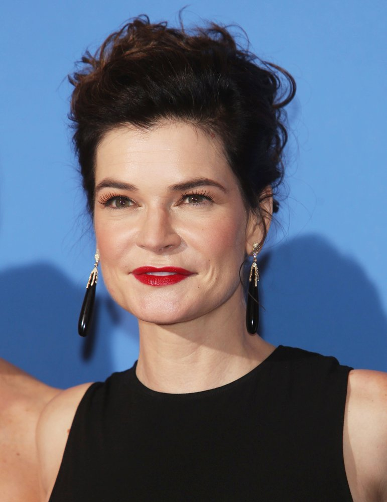 Betsy brandt picture 23 71st annual golden globes press room
