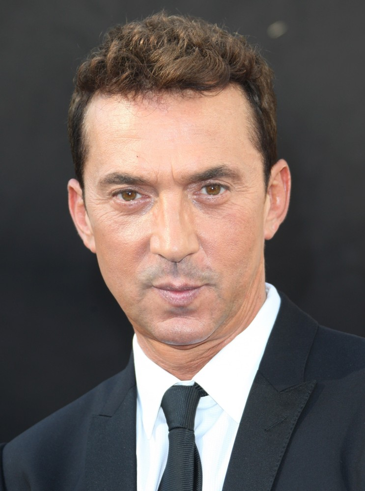 The 61-year old son of father Werther Tonioli and mother Fulvia , 170 cm tall Bruno Tonioli in 2017 photo