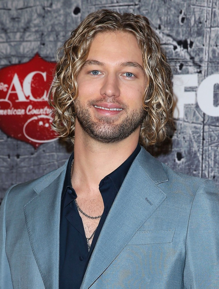 Casey James - casey-james-2012-american-country-awards-01