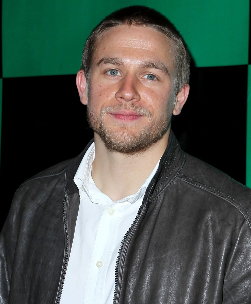 charlie hunnam charlie hunnam hosts at chateau nightclub and gardens    Charlie Hunnam
