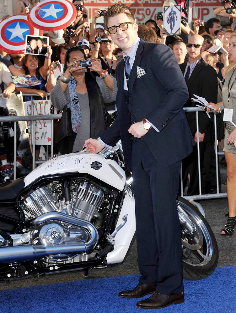 Chris Evans<br>Los Angeles Premiere of Captain America The First Avenger - Arrivals