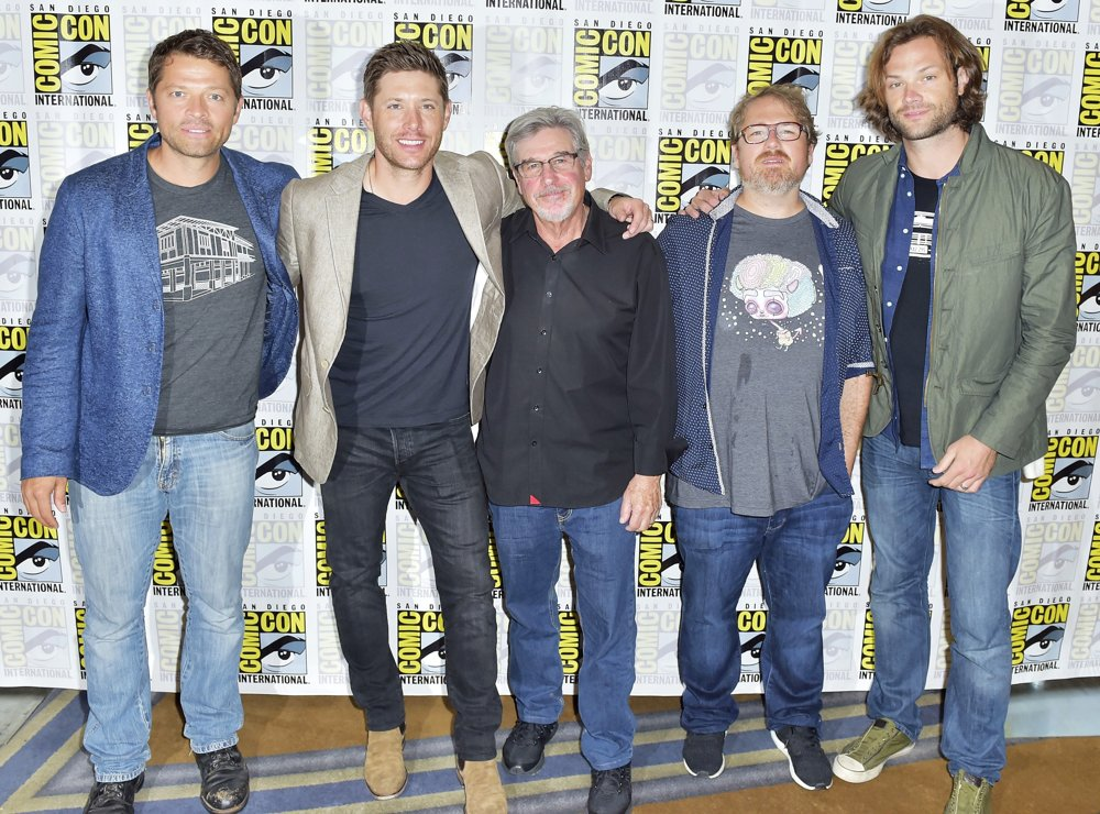 Misha Collins, Jensen Ackles, Robert Singer, Andrew Dabb, Jared Padalecki<br>San Diego Comic Con 2017 - Supernatural - Photocall