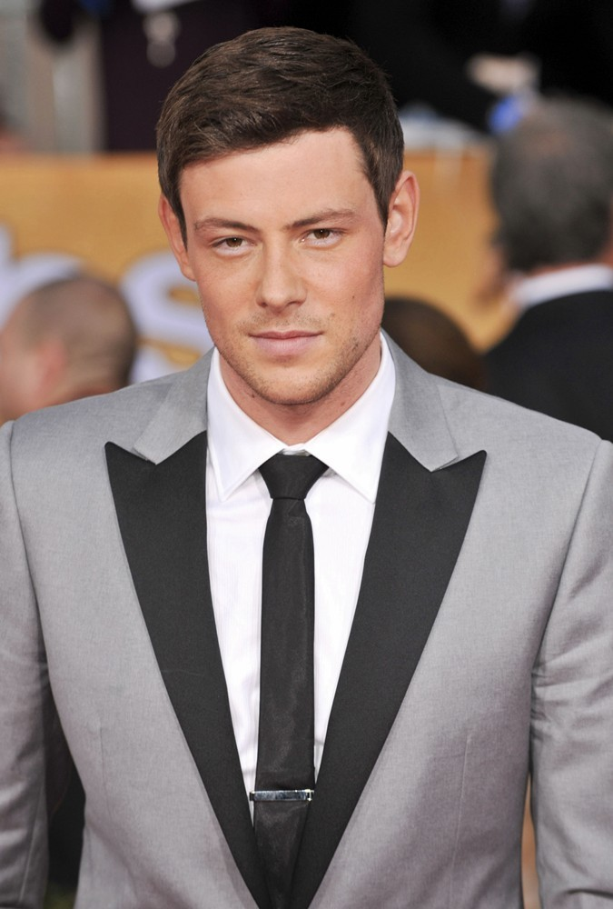 http://www.aceshowbiz.com/images/wennpic/cory-monteith-19th-annual-screen-actors-guild-awards-01.jpg