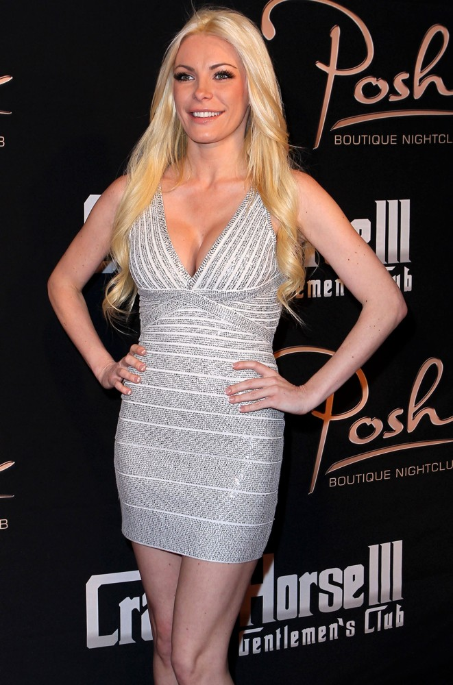 Crystal Harris<br>Crystal Harris Hosts Sexy Party
