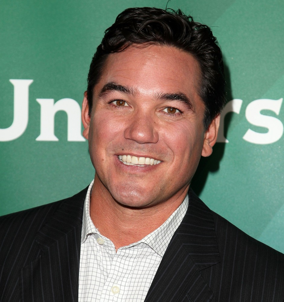 Dean Cain earned a  million dollar salary, leaving the net worth at 6 million in 2017