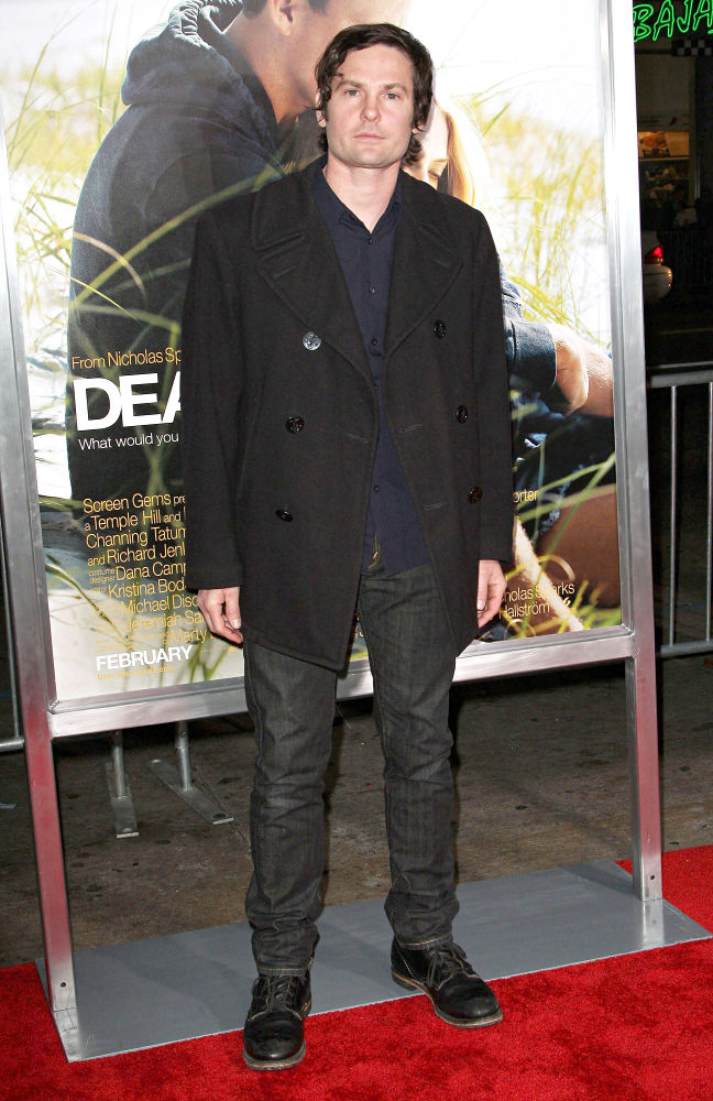 Henry Thomas<br>The Los Angeles Premiere of 'Dear John' - Arrivals