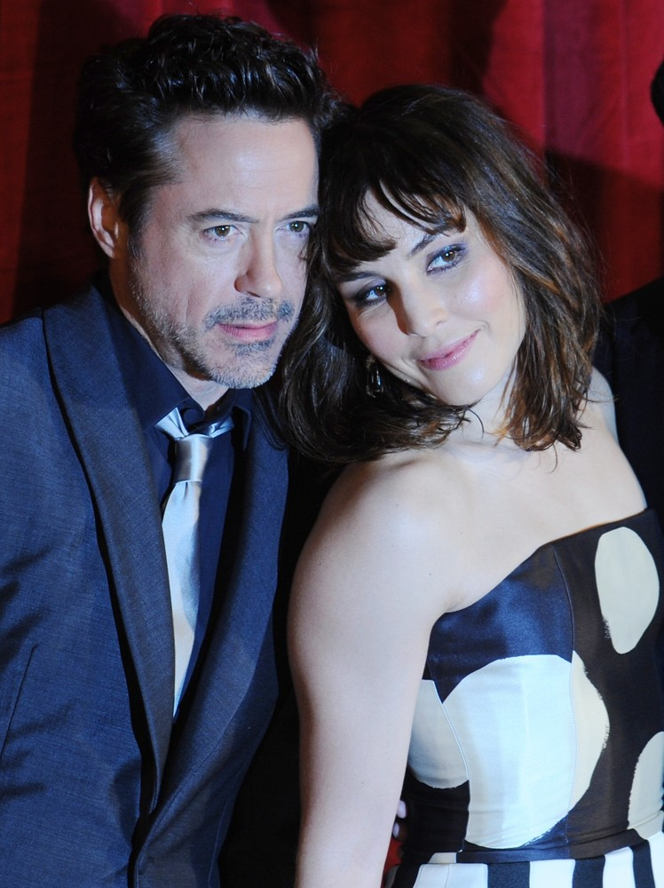 Robert Downey Jr., Noomi Rapace<br>Sherlock Holmes: A Game of Shadows Premiere - Arrivals
