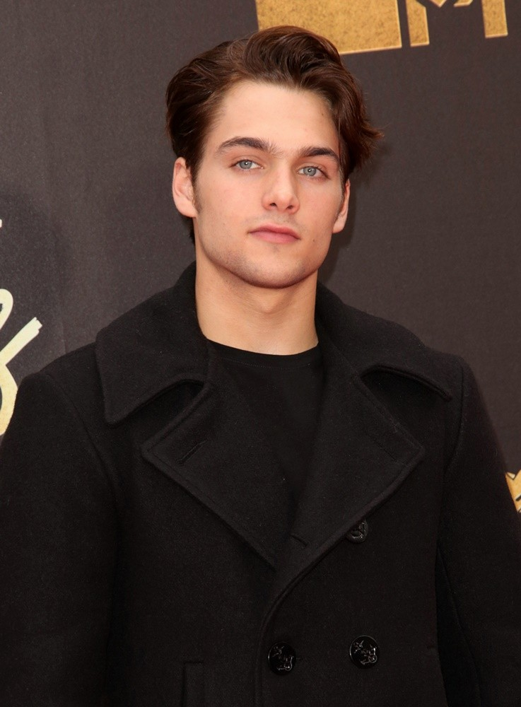 Dylan Sprayberry Picture 13 - 2016 MTV Movie Awards - Arrivals