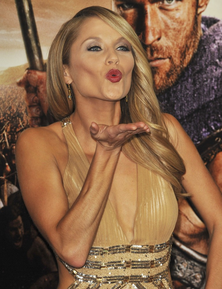 image Ellen hollman spartacus war of the damned