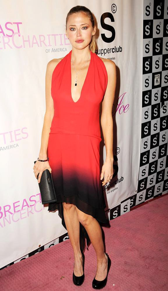 Estella Warren<br>Candy Ice Goes Pink for Breast Cancer In A Pre-Grammy Event