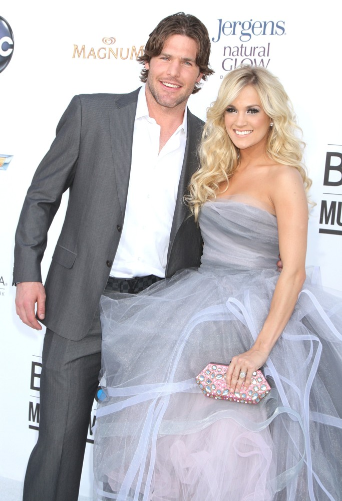 Mike Fisher, Carrie Underwood<br>2012 Billboard Music Awards - Arrivals