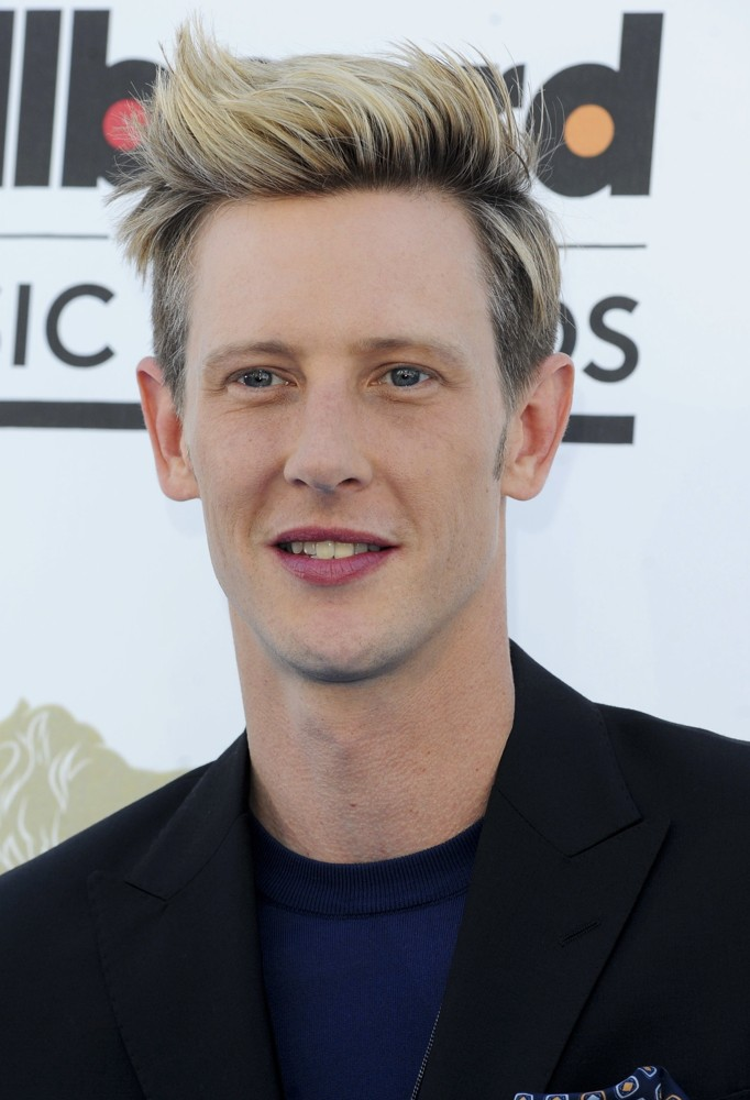 Gabriel Mann earned a  million dollar salary - leaving the net worth at 2 million in 2017