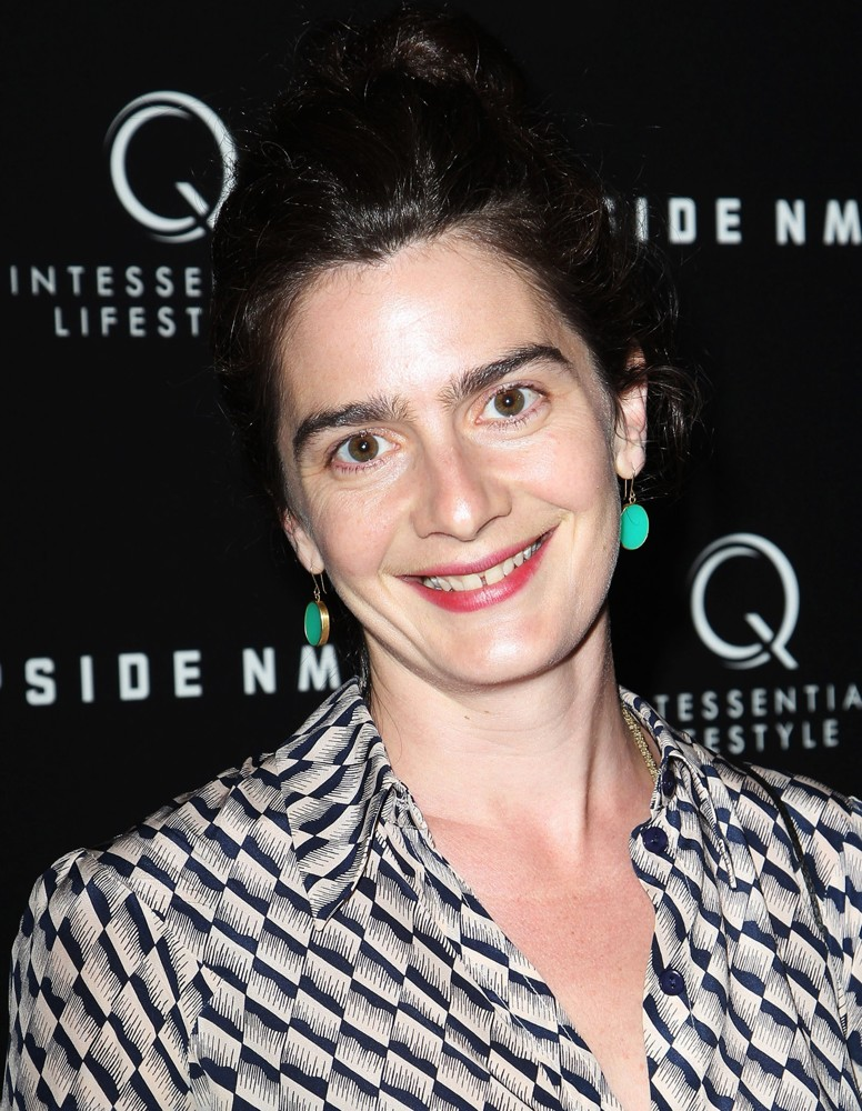 The 35-year old daughter of father Anthony Herrera and mother Viva, 170 cm tall Gaby Hoffmann in 2017 photo