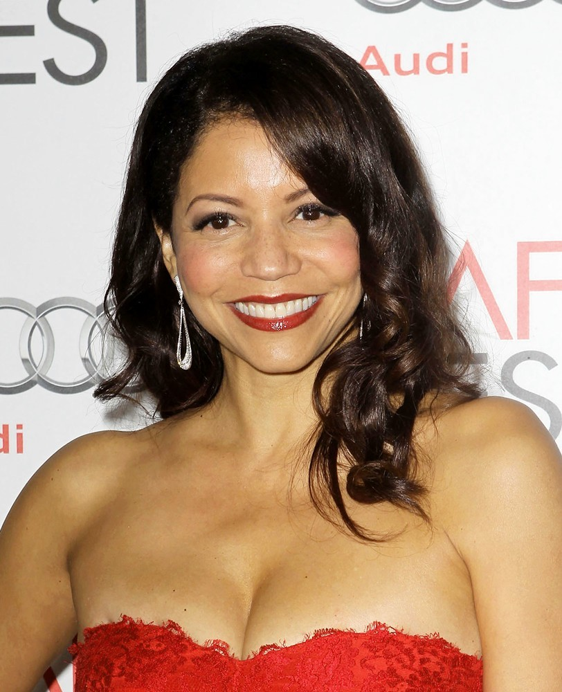 gloria reuben height