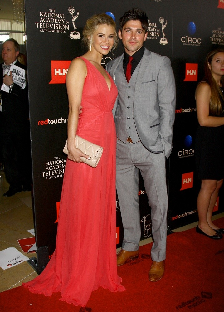Linsey Godfrey, Robert Adamson<br>The 40th Annual Daytime Emmy Awards - Arrivals