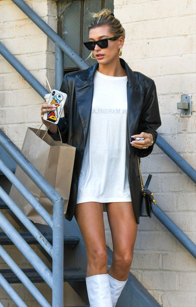 Hailey Baldwin<br>Hailey Baldwin Seen Out and About in Los Angeles