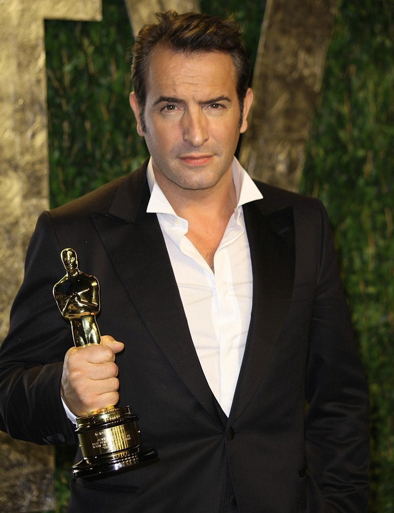 Jean dujardin picture 56 2012 vanity fair oscar party for Jean dujardin photo