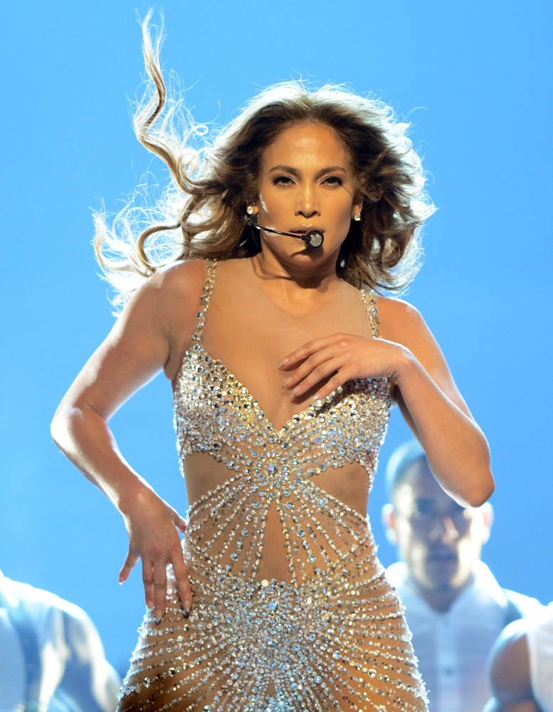 Jennifer lopez picture 598 jennifer lopez performs live Where does jennifer lopez live