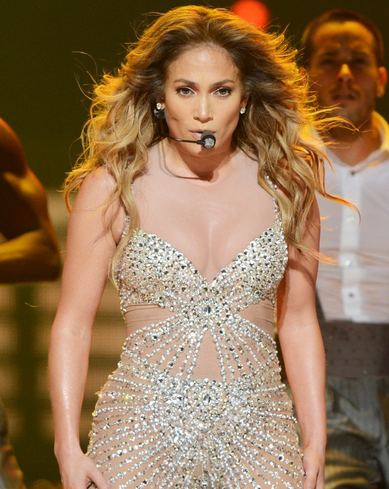 Jennifer lopez picture 617 jennifer lopez performs live Where does jennifer lopez live