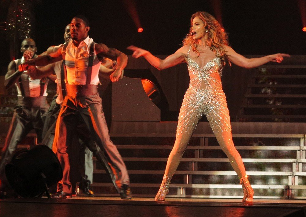 Jennifer lopez picture 621 jennifer lopez performs live Where does jennifer lopez live