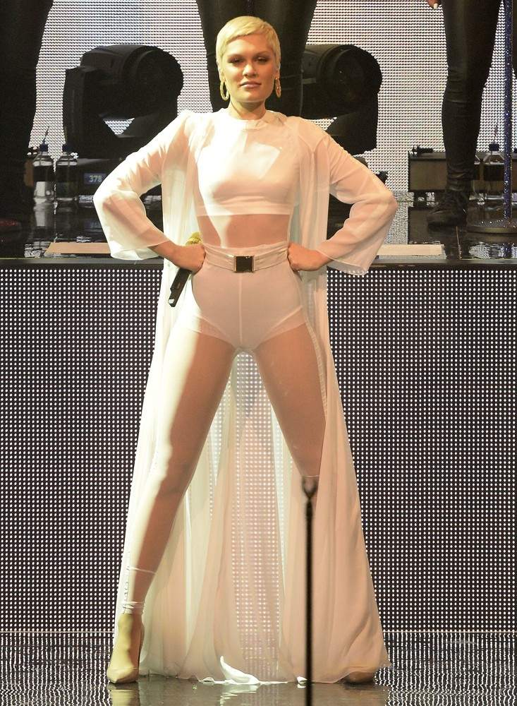 Jessie J Performing Live at Day 23 of The iTunes Festival