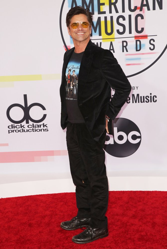 John Stamos<br>2018 American Music Awards - Arrivals