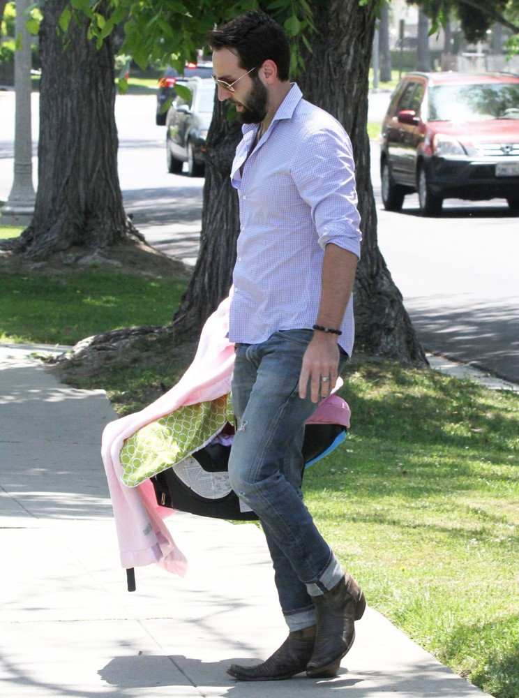 Josh Kelley<br>Josh Kelley Arrives for A Mother's Day Party