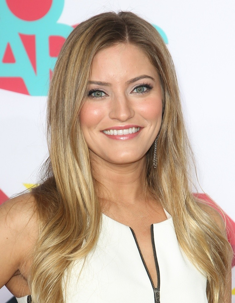Justine Ezarik earned a  million dollar salary, leaving the net worth at 2 million in 2017