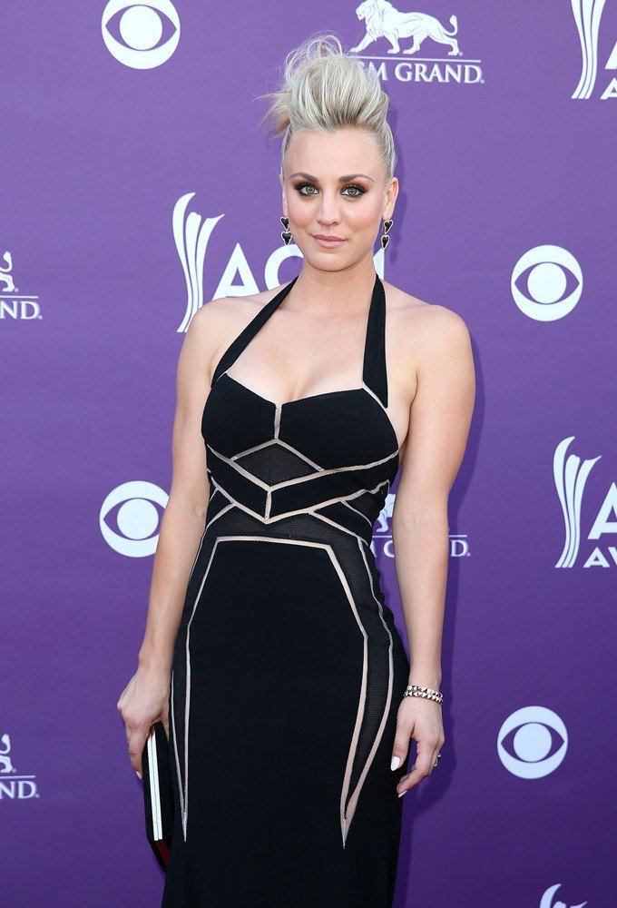Kaley Cuoco<br>48th Annual ACM Awards - Arrivals