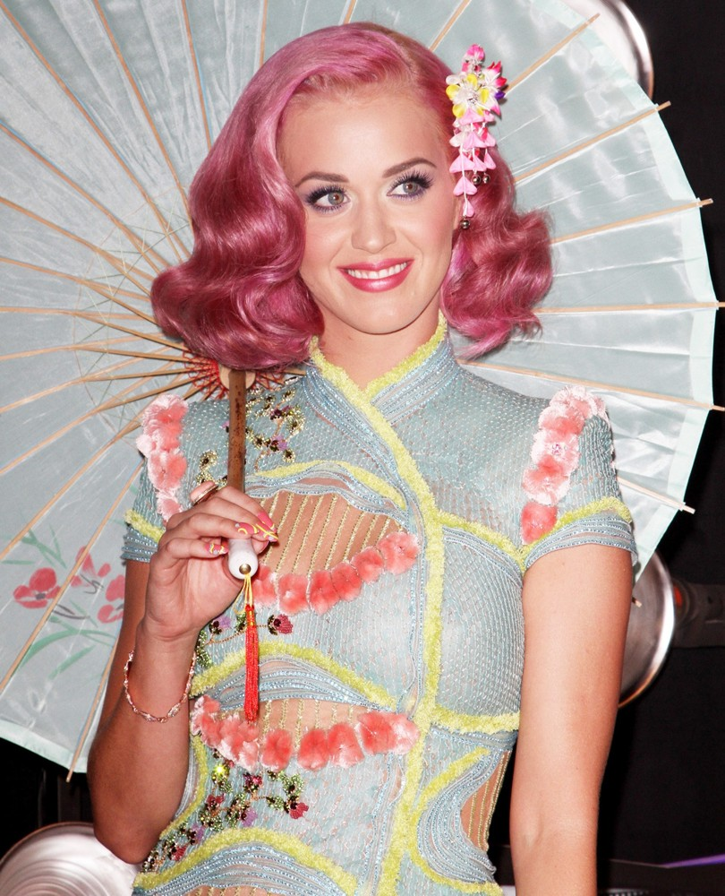 Katy Perry<br>2011 MTV Video Music Awards - Arrivals