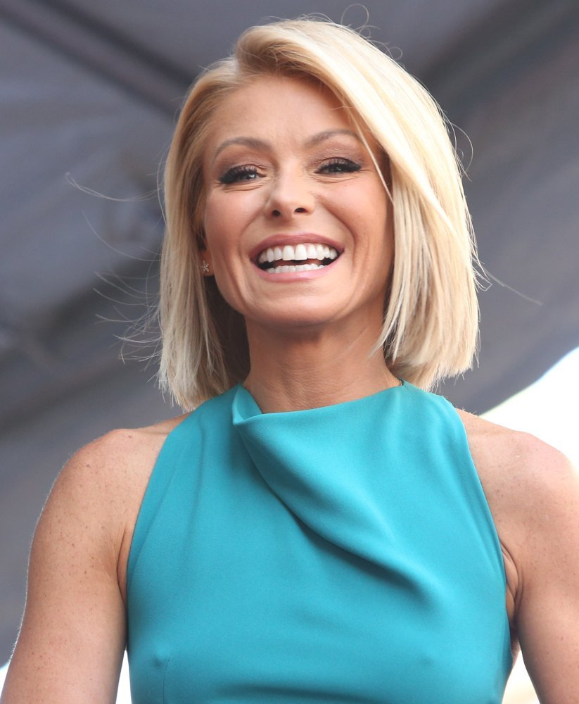 2m Followers 210 Following 545 Posts See Instagram photos and videos from Kelly Ripa kellyripa