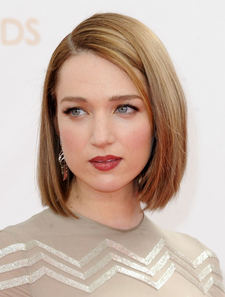 Kristen Connolly Net Worth