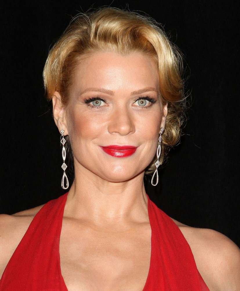 braless Cleavage Laurie Holden naked photo 2017