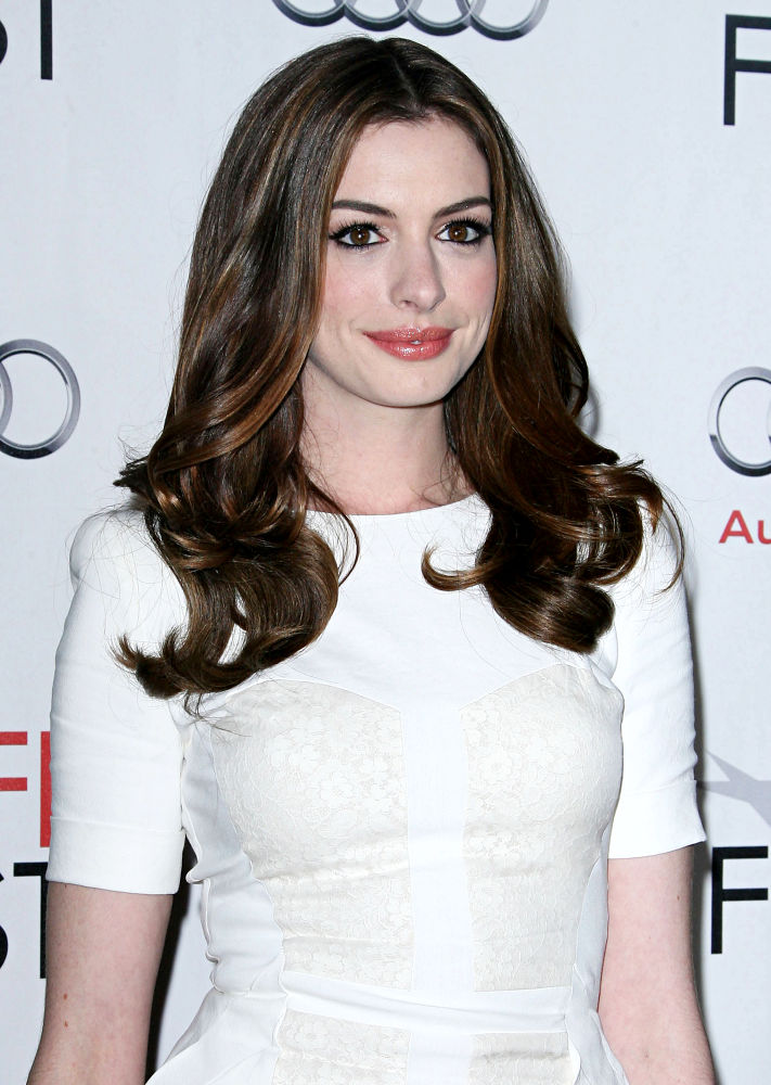 Love And Drugs Anne Hathaway. Anne Hathaway
