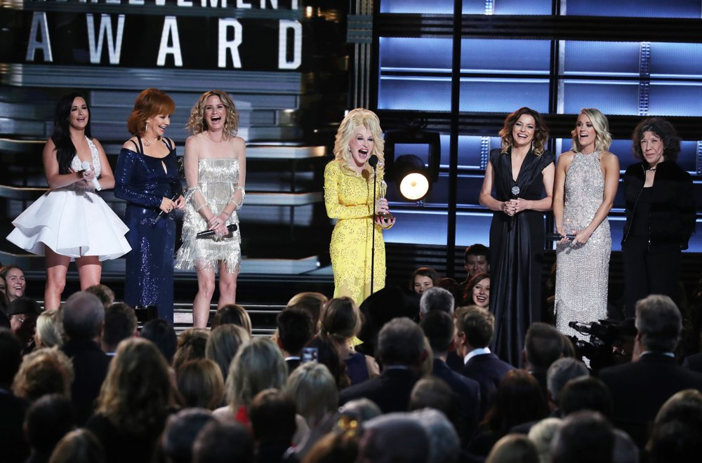 Kacey Musgraves, Reba McEntire, Jennifer Nettles, Dolly Parton, Martina McBride, Carrie Underwood, Lily Tomlin<br>50th Annual CMA Awards - Performances