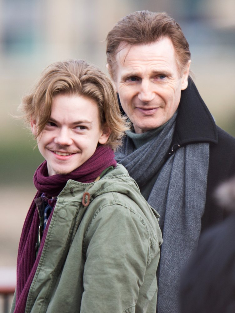 Thomas Sangster, Liam Neeson<br>Filming Love Actually