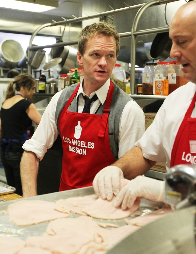 Neil Patrick Harris<br>The LA Mission's Annual Thanksgiving for The Homeless