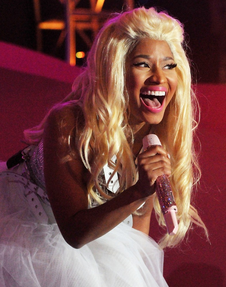 Hairstyle In 2012 American Music Awards Nicki Minaj Hairstyles