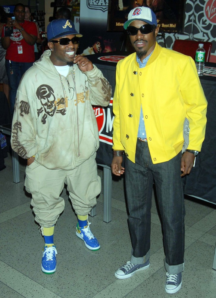 OutKast<br>OutKast Promoting and Signing Their CD Idlewild