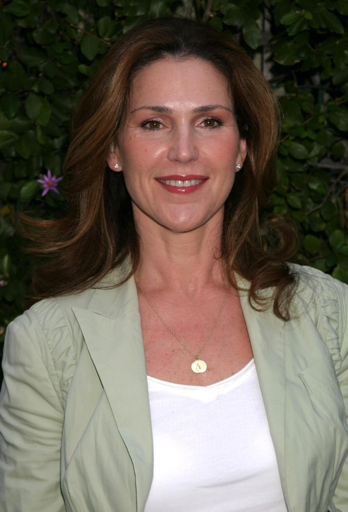 Peri Gilpin mother