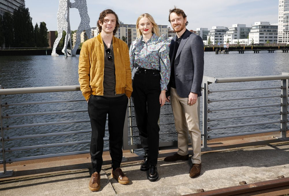 Evan Peters, Sophie Turner, Michael Fassbender<br>Photocall X-Men: Dark Phoenix