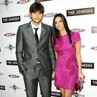 Ashton Kutcher, Demi Moore in Los Angeles Premiere of 'The Joneses'