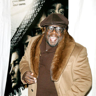 Cedric the Entertainer in New York Premiere of 'Brooklyn's Finest'