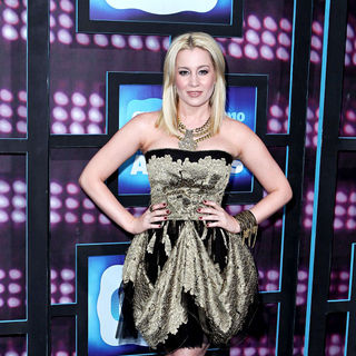 Kellie Pickler in 2010 CMT Music Awards Blue Carpet Arrivals