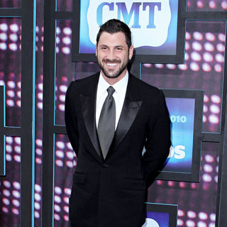 Maksim Chmerkovskiy in 2010 CMT Music Awards Blue Carpet Arrivals