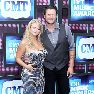 Blake Shelton in 2010 CMT Music Awards Blue Carpet Arrivals - CMT_awards_018_wenn2881978